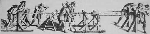 Beting, bild från 1750-talet. Det fasta betinget finns t.h. och t.v. syns aktersläden med akterjärnet.  Vid det färdiga repet syns tre hjälpslagare som med spakar hjälper till att lägga samman trossen och mellan dem en bock som håller upp repet från marken. På bilden är skallen/toppen placerad i en toppsläde, vilken är bromsad med ett rep kring den nyslagna trossen. Toppsläden går på hjul.