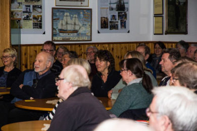 Delar av publiken